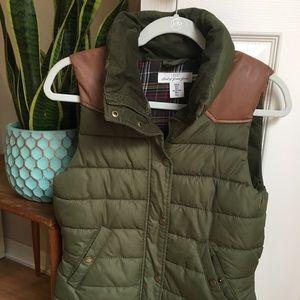 H&M puff olive green vest